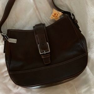 COPY - AUTHENTICATED VINTAGE COACH BAG. LIKE NEW!…